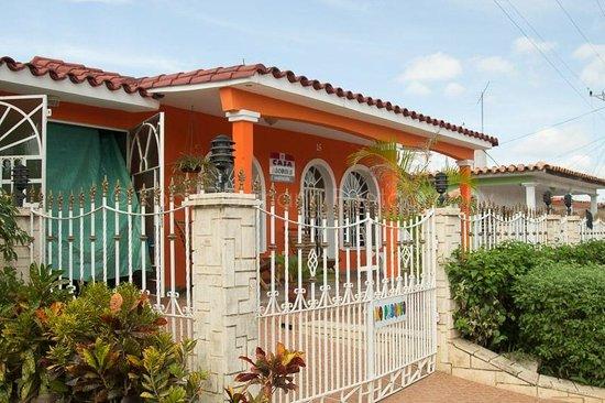Casa Arcoiris: Front of Casa