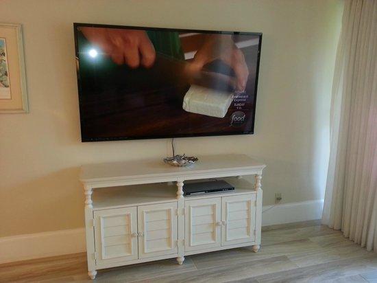 Sundial Beach Resort & Spa: TV