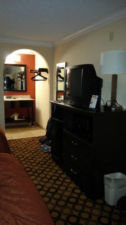 Econo Lodge Richmond Hill : Very nicely furnished