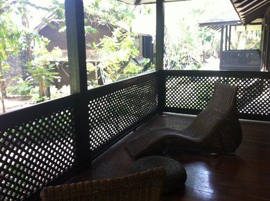 Vivanta by Taj Rebak Island, Langkawi: Balcony on top level room (really cool chairs)