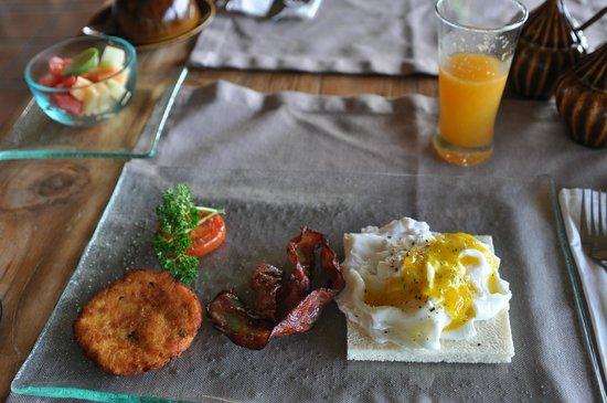 Mathis Retreat: breakfast