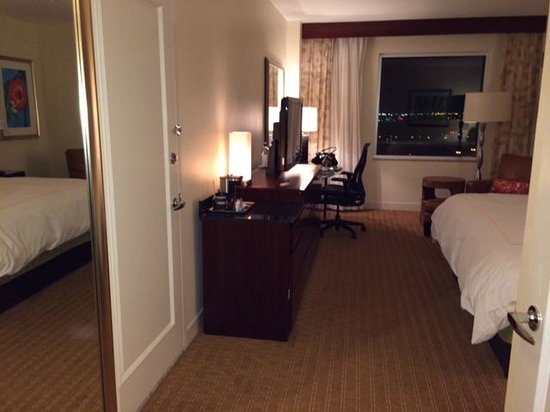 Hilton Orlando : room was average sized