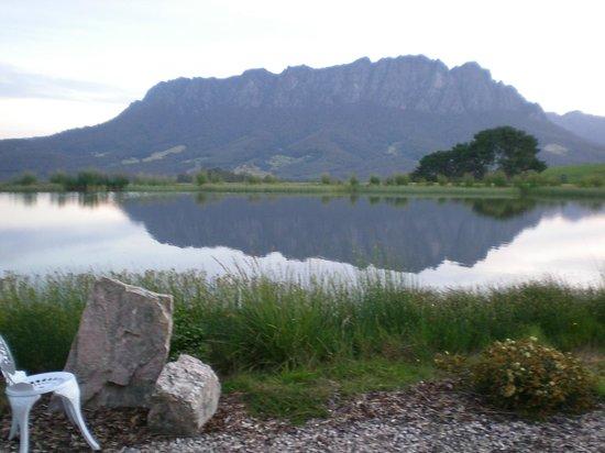 Eagles Nest Retreat : Mount Roland
