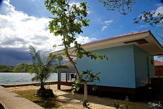 El Rio y Mar Resort : Cabana #5 from the back