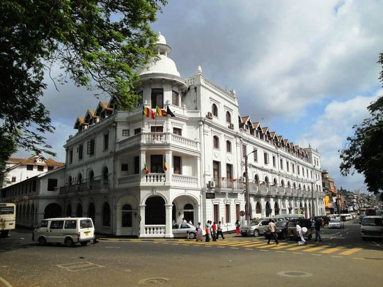 Queens Hotel Kandy: The Queen's Hotel