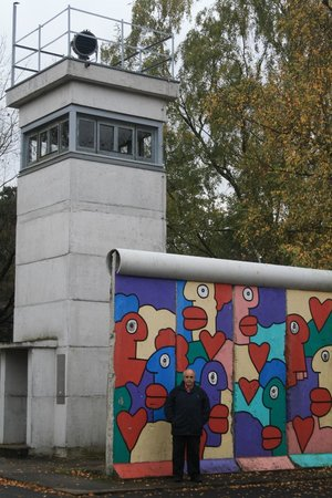 Allied Museum (Alliierten Museum) : The Wall and a guard tower