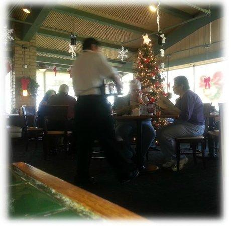 Hill Street Cafe: Restaurant Christmas Interior