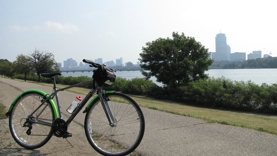 Urban AdvenTours: From Boston to Cambridge along the Charles