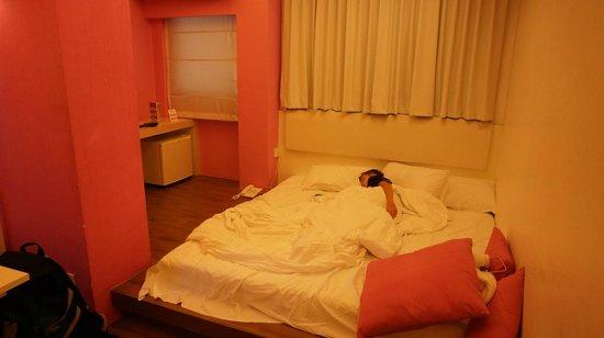 Budacco: Кровать