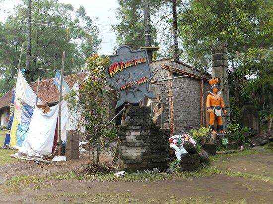 Sindang Reret Hotel and Restaurant : Amusement park for kids