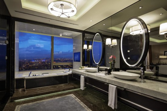 Hilton Istanbul Bomonti Diplomat Suite Bathroom