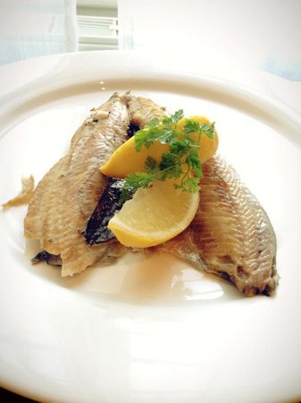 The Kings Head Country Hotel: Local produce - fresh local kippers
