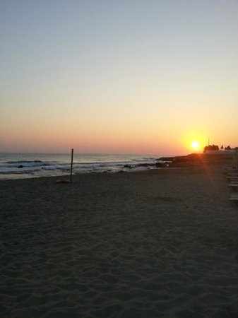 Vlachakis Beach Hotel: пляж