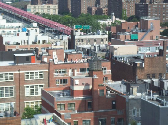 Hotel on Rivington : View of (Brooklyn?) Bridge.  We could see 3.