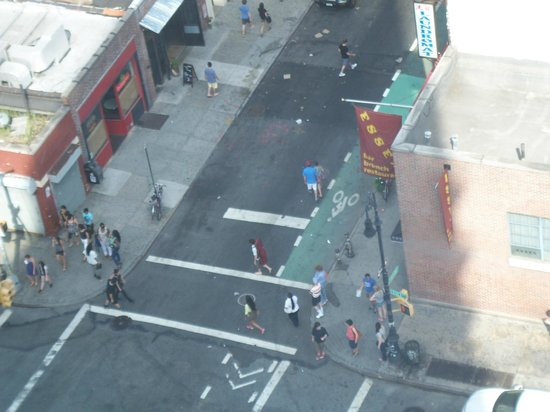 Hotel on Rivington : People watch Lower east from 17th floor