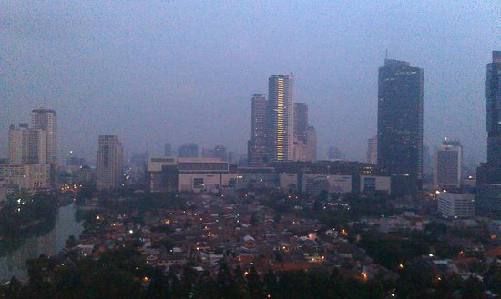 Shangri-La Hotel Jakarta: City view in the morning from my room