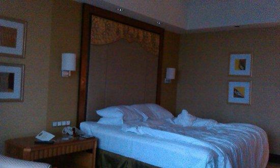 Shangri-La Hotel Jakarta: Room interior
