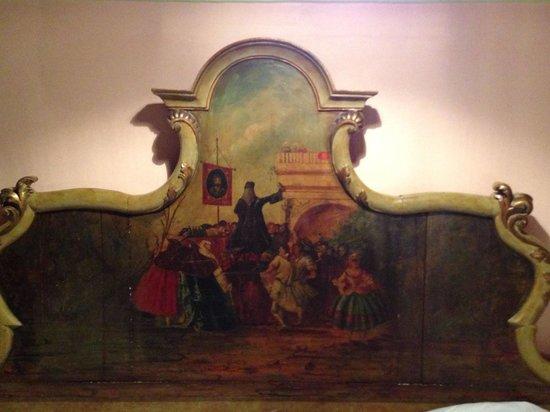 Hotel Saturnia & International : cama de la suite