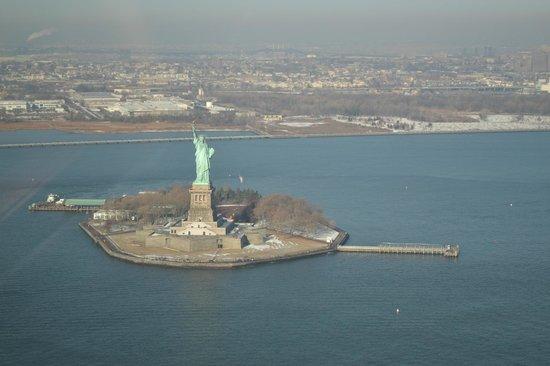 Zip Aviation - Helicopter Tours & Charters : Statue de la Liberté