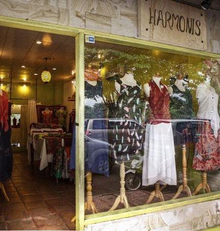 Harmonis: front of store