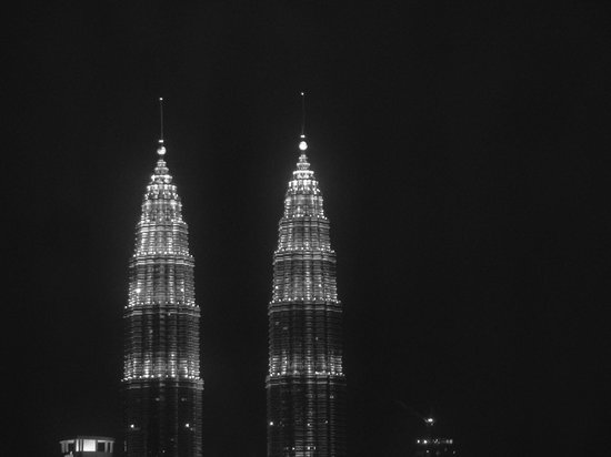 Grand Seasons Hotel: Petronas Towers