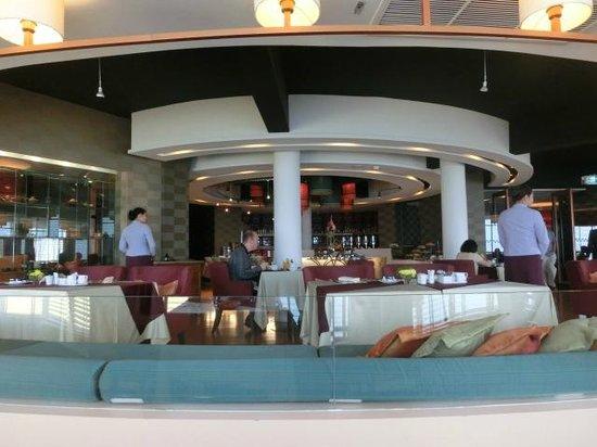 Dusit Thani Pattaya : クラブルーム宿泊者用の朝食ラウンジ 9F中華レストラン