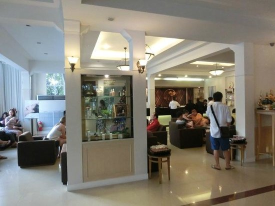 Dusit Thani Pattaya: 1F 売店