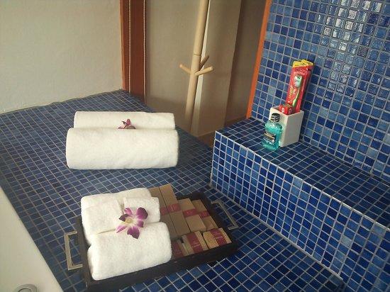 La Flora Resort Patong: バスルームのアメニティ