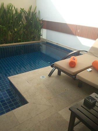 La Flora Resort Patong: プールヴィラウィズロフトのプール
