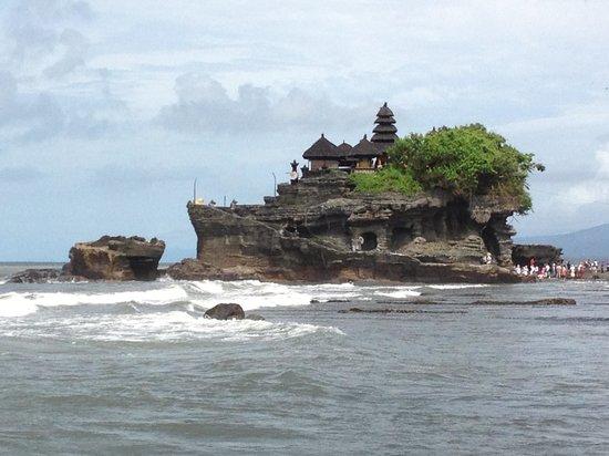 Pan Pacific Nirwana Bali Resort : Tanah Lot during the day