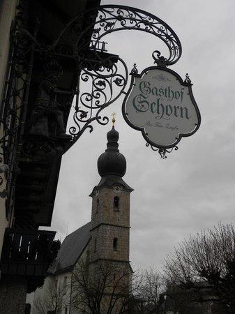 Gasthof Schorn: insegan hotel e vista campanile