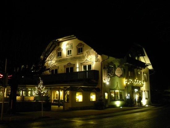 Gasthof Schorn: hotel notturna