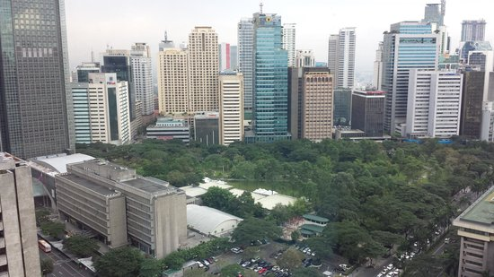 Makati Shangri-La Manila: View from the room - overlooks the backside of the hotel