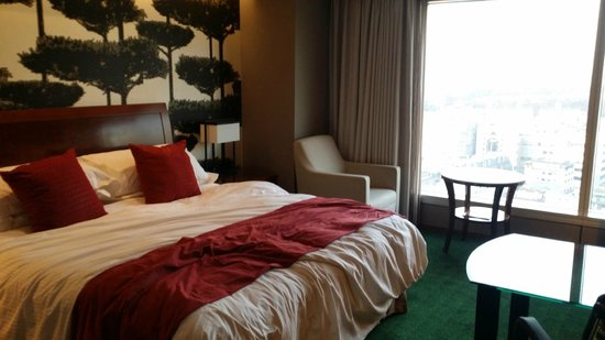 InterContinental Seoul COEX: Love the long pillow provided