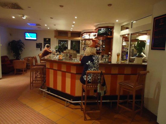 Quality Hotel Dresden West: bar