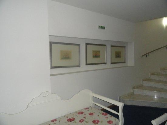 Mirabello Beach & Village Hotel : холл, выход с этажа