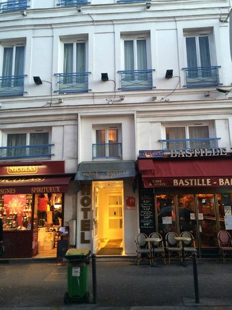 Royal Bastille : Вход в отель