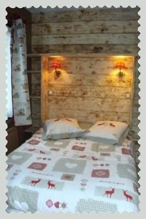 Le Chalet de la Source: Chambre chocolat quadruple standard