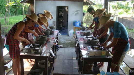 Da's Organic Farm Hut Thai Cooking School