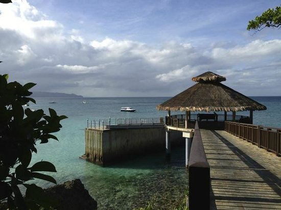 Shangri-La's Boracay Resort & Spa: boat drop off