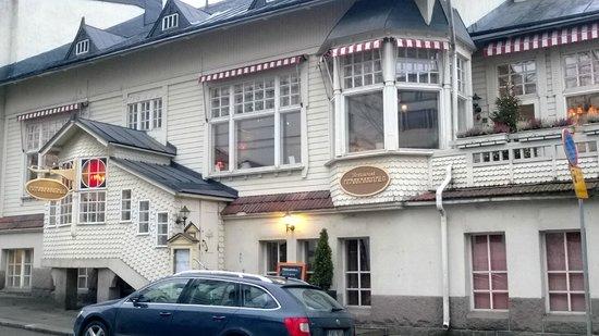 Rokkikukko  kuva Ravintola Piparkakkutalo, Hämeenlinna
