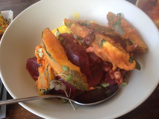 Pablo Pablo Latin Eatery: Beetroot and zucchini salad