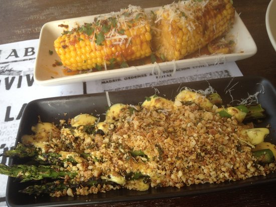 Pablo Pablo Latin Eatery: Corn cobs and asparagus