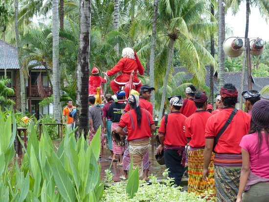 Holiday Resort Lombok : Even Indonesian Santa found the time to drop by