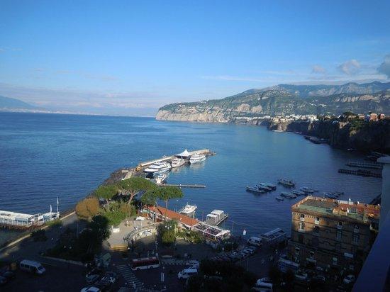 Ulisse Deluxe Hostel: dalla terrazza panoramica a Sorrento