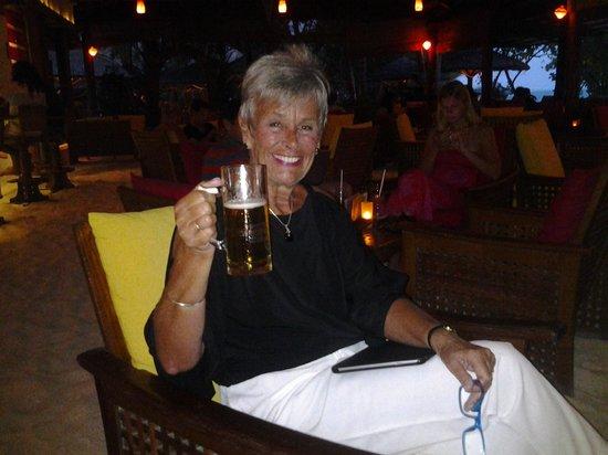 Reethi Beach Resort: Cheers m'dears!