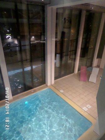 Residence Val d'Azur : piscine chauffée aprés le ski un plaisir