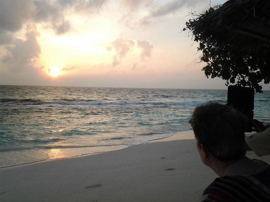Reethi Beach Resort: The first sunrise of 2014