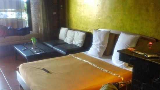 Tomas Hotel