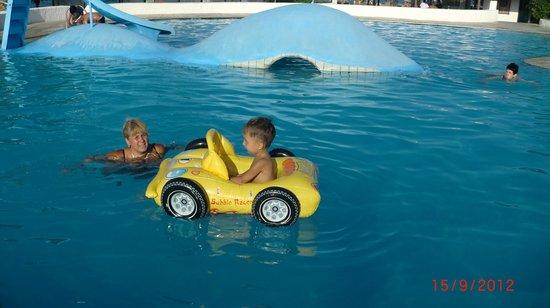 Apollonia Beach Resort & Spa: большой бассейн